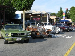 vintage_cars_at_night_market
